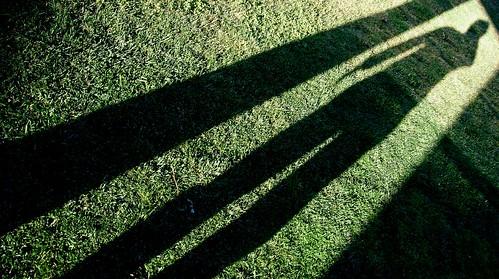 Aku, Matahari, dan Bayang-bayang