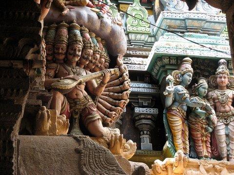 rAvaNA and meenakshi kalyanam meenakshi kovil gopuram 260308