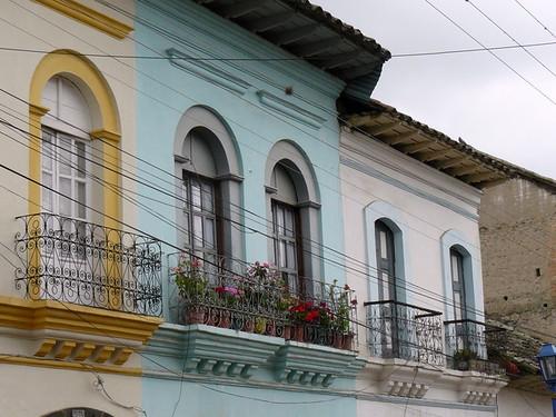 Cotacachi Real Estate - Calle Bolivar