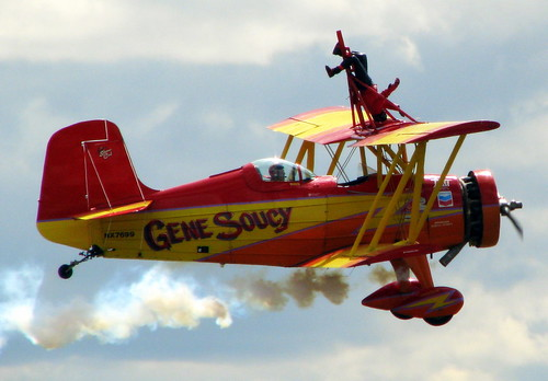 Wingwalker standing on her head