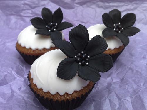 Black floral cupcakes
