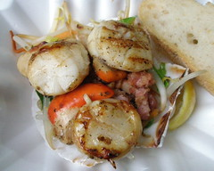 Hand Dived scallops from Shellseekers, Borough Market (Niamheen) Tags: fish bacon hand market scallops shellfish seafood borough dived shellseekers