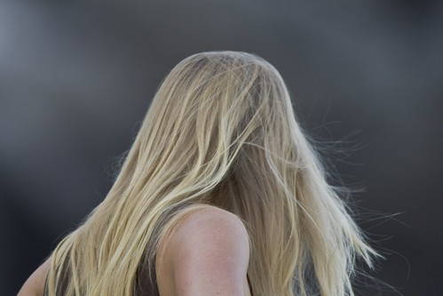 test of PNG version - blond-long-haired-woman-surfmorrobay.com_0279