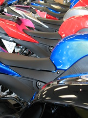 which colour do you want to take? (bem-ti-vi) Tags: blue red black silver motorcycle yamaha onsale