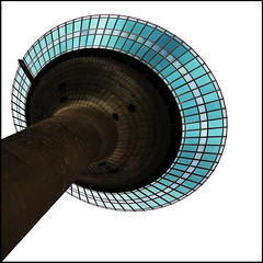 Disc on a stick (Maerten Prins) Tags: blue windows green tower mushroom circle high view yes lookingup disk dsseldorf rheinturm dazzledorf 234meters lptowers
