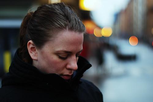 フリー写真素材, 人物, 女性, 憂鬱, 目を閉じる, 俯く,