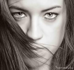 Pelo rebelde 2 (Fernando Rey) Tags: portrait bw beauty retrato mirada belleza