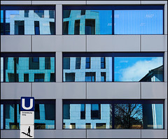 'U' on blue (AnyMotion) Tags: blue house reflection building glass architecture frankfurt udo architektur 2008 soe nordend anymotion flickrsbest mywinners anawesomeshot thatsclassy frankfurtnordend