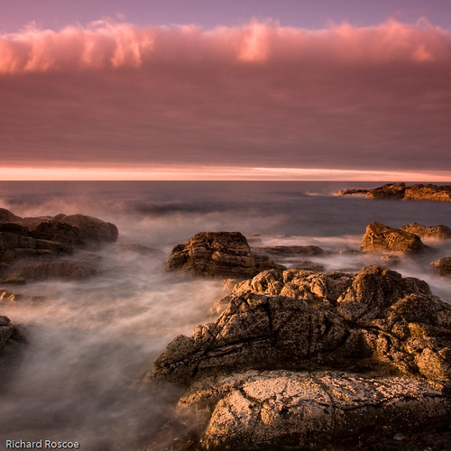 Sunset on the Rocks #2 / Richard Roscoe
