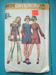 Simplicity 9834 (kittee) Tags: kittee vintagesewing vintagepattern sewing pattern simplicity vintage simplicity9834 9834 1971 1970s size12 bust34 waist2512 miss minidress dress smock pants longsleeves yoked frontbuttonclosing shortsleeves patchpockets elasticwaist aline