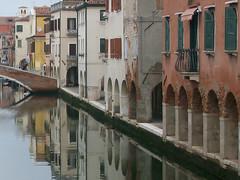 Chioggia (Venezia), il portico sul Canal Vena (Valerio_D) Tags: italy italia 1001nights tp chioggia veneto greatphotographers anticando canalvena nikonflickraward 1001nightsmagiccity greaterphotographers fondamentadellavena 2010autunno ruby15