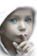 Fun Pic from Mary: Kid says the darnest thing (khasan) Tags: cute beautiful children fun parents eyes child thing father praying mother picture pic say soe darnest piratetreasure top20people adminfav20 favekids