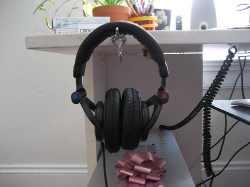 headphones desk mod