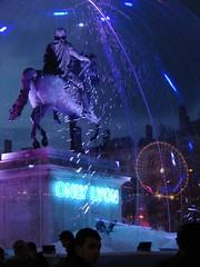 Lyon sinon rien ! (psicopat) Tags: france statue grande place lyon fete lumieres 2007 decembre roue rhone bellecour rhonealpes huit fetedeslumieres