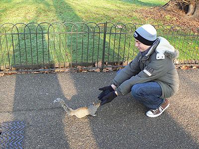 clem et écureuil à Hyde Park.jpg