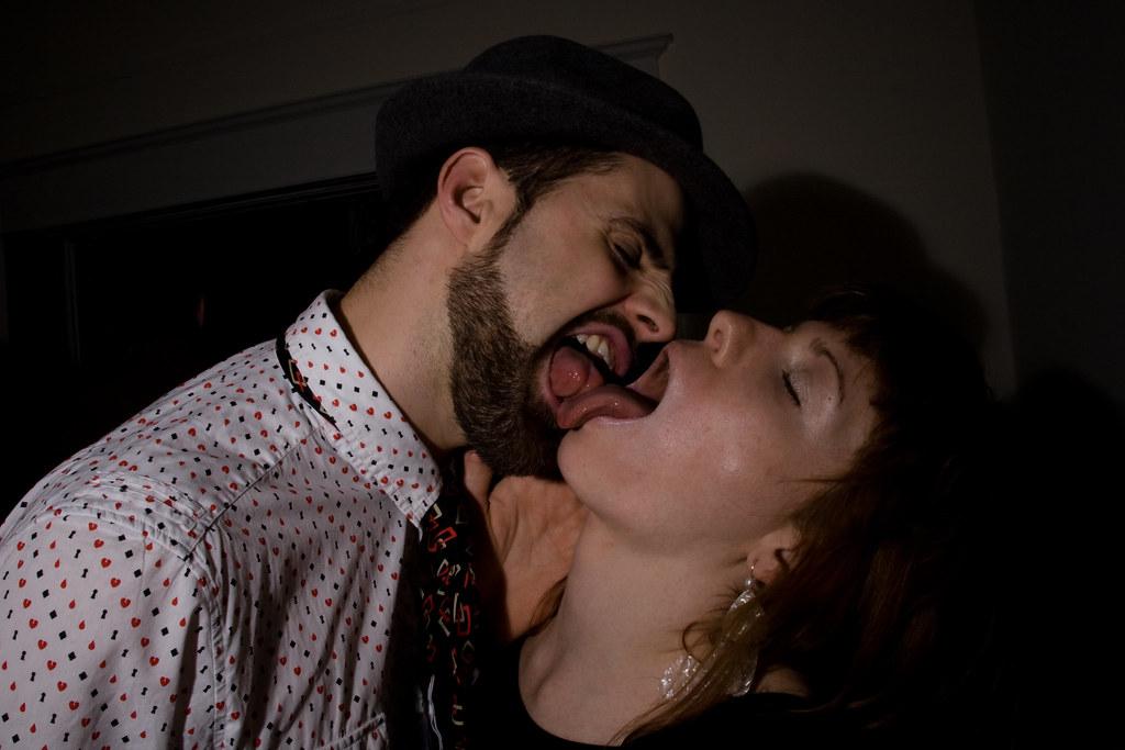 Hot tongue kiss pics