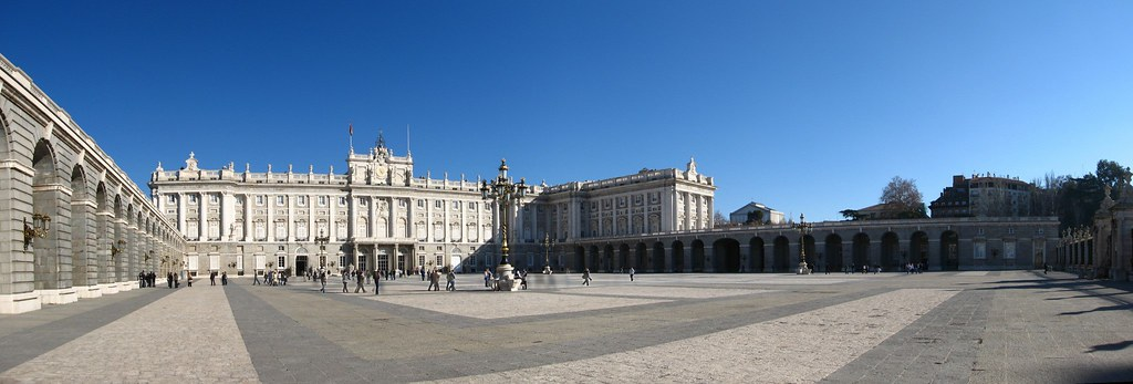 Palacio Real and Plaza de la Armeria