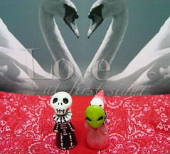 Skelly and Sakura - Love At First Sight (fondofsnape) Tags: red love swan mask alien paisley poppet 48365 oneobject365daysproject