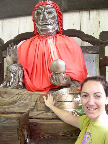 Vero tocando al discípulo de Buda
