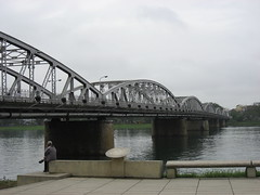 Trang Tien Bridge - Hue (Houston Marsh) Tags: travel bridge vacation holiday water river asia seasia southeastasia vietnam hue perfumeriver songhuong trangtienbridge