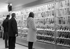 Systembolaget, Sveavgen, Stockholm (YYL Photography) Tags: people blackandwhite bw woman white man black men film blanco beer glass 35mm person blackwhite women noir wine bottles noiretblanc sweden stockholm negro rangefinder olympus spirits alcohol booze sverige xa notdigital bianco blanc zuiko nero biancoenero vino olympusxa systembolaget scandanavia negroyblanco yylphotography