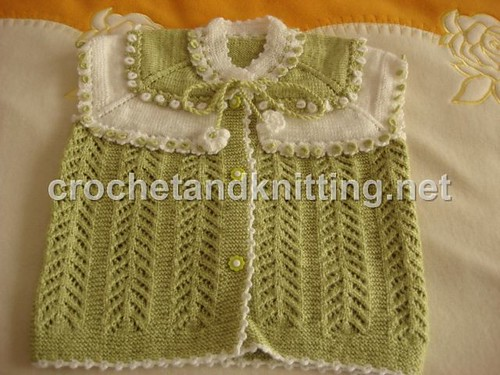 One Skein V-Neck Baby Sweater Vest to Knit – Free Pattern