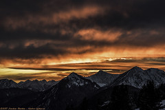Spectacular Sunset in the Bavarian Mountains (Joachim Bardua (www.outdoor-lights.eu)) Tags: nikon zeiss sonnart18135 zf availablelight bavaria mountains sunset