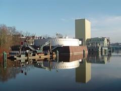 20041226 Groningen - Museum (Sjaak Kempe) Tags: 2004 winter groningen stad museum groninger mendini sjaak kempe sony dscp72 nederland netherlands niederlande reflection reflectie reflections