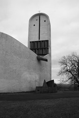 (arndalarm) Tags: bw france church frankreich kirche chapel sw lecorbusier ronchamp kapelle notredameduhaut arndalarm charlesedouardjeanneretgris francefastforward img0828e05c50s100klein
