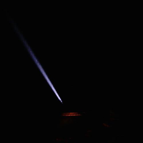【写真】清水寺のライトアップ3〜空に向かう光りの筋