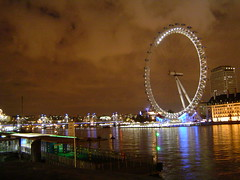 London Eye (nurys) Tags: greatbritain november sky london night europe cloudy londoneye noviembre londres thamesriver citynight londonnight unitadkingdom