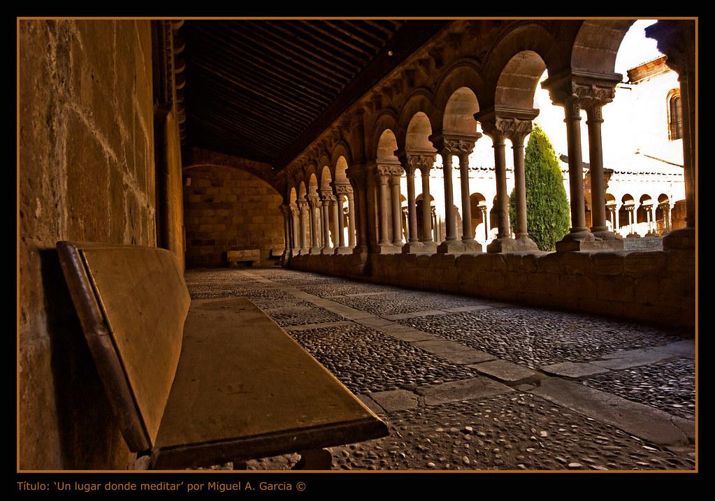 Photo de Castille-Leon n°3. Soria. Cloître propice à la méditation