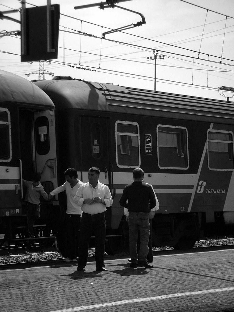 The world 39 s best photos of e444r and r flickr hive mind - Orari treni milano centrale genova porta principe ...