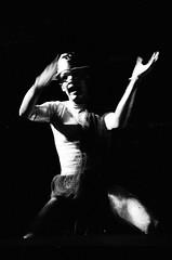 el grito (fotos miguel hernandez) Tags: blackandwhite art blancoynegro miguel teatro danza lanzarote muerte fantasia terror carnaval sombras fantasma miedo dolor hernandez miguelhernandez alegoria