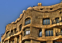 ~~~~ (Paco CT) Tags: barcelona architecture spain arquitectura artnouveau gaudi catalunya modernismo hdr casamilà 2007 lapedrera 3xp mywinners ltytr1 superbmasterpiece travelerphotos diamondclassphotographer pacoct unviernesporbarcelona