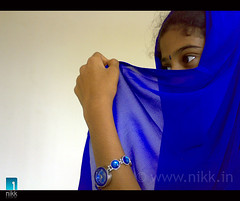 The Blue 'n' Grace (:: niKk clicKs ::) Tags: blue portrait india model women veil little sister watch grace cousin shawl cochin nikk duppatta n73 pardah 50millionmissing n73rocks thebluengrace picnikk