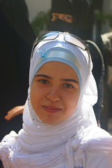 portrait of a girl (atsjebosma) Tags: portrait girl sunglasses mosque syria portret damascus soe meisje zonnebril moskee damscus 10faves aplusphoto