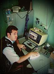 ...Retr 1980... (Jorge L. Gazzano) Tags: office escritrio retr detalhes duetos sonyh9 prflickr