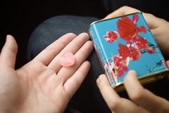 愛心形狀的草莓口味 / Ninagawa Mika strawberry candy (by bubustudio)