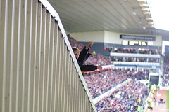 Derby equalise and give us a wave (JonHall) Tags: football fulham derby premiership fulhamfc pridepark derbycountyfc derbycountyvsfulham20080329