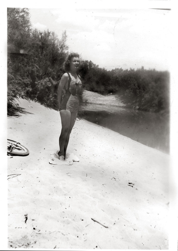 Gloria at the lake side