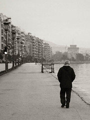 Thessaloniki (Paterdimakis) Tags: road street city sea people urban bw white black nikon d70 greece macedonia thessaloniki mak salonica salonika makedonia mdk vardaris vardar