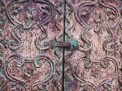 Iron (?) door (Prof. Elephant) Tags: peru arequipa santacatalina