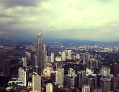Twin Tower (Salman Qadir) Tags: tower car nikon flag petronas twin malaysia bazaar kl kltower smrgsbord flickrsbest d40x