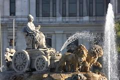 Cibeles (Ricardo Carreon) Tags: madrid espaa water statue lady spain espanha monumento landmark lions estatua cibeles chariot madri