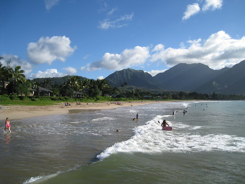 2064753429 3e38286465 The Perfect Vacation at Hanalei Beach in Kauai
