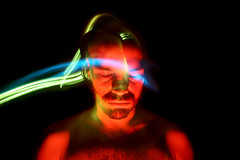 foto-012 (penoni) Tags: red lightpainting color men body head flash bodylanguage