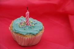 To Somone Special.. (Julie™) Tags: birthday pink blue love happy julie cupcake albanderi البندري