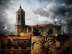 Girona, View from the Ancient Walls (ToniVC) Tags: old city wall architecture canon spain ancient bravo europe view cathedral catalonia girona powershot catalunya aged walls gerona magicdonkey a640 tonivc