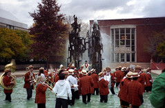 Band In The Fountain (Joe Shlabotnik) Tags: fountain 1988 princeton faved october1988 princetonband woodywoo